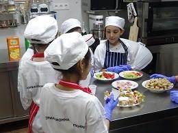 В нова кухня започна кулинаротерапия по проект на Община Русе и БРТИМ