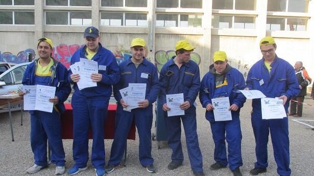 """4 ученици ще представят ПГ по транспорт в националното състезание """"Най - добър млад автомонтьор и водач на МПС"""" в края на март"""