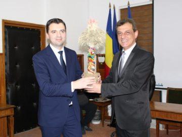 Със сноп житни класове Свилен Иванов предаде председателството на трансграничната земеделска група