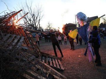 Народният представител Пламен Нунев бе гост на голямо празненство по повод Сирни Заговезни в Мартен