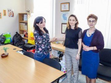 """Служители на Окръжен съд - Русе с дарение за кризисния център на сдружение """"Център Динамика"""" в Русе"""