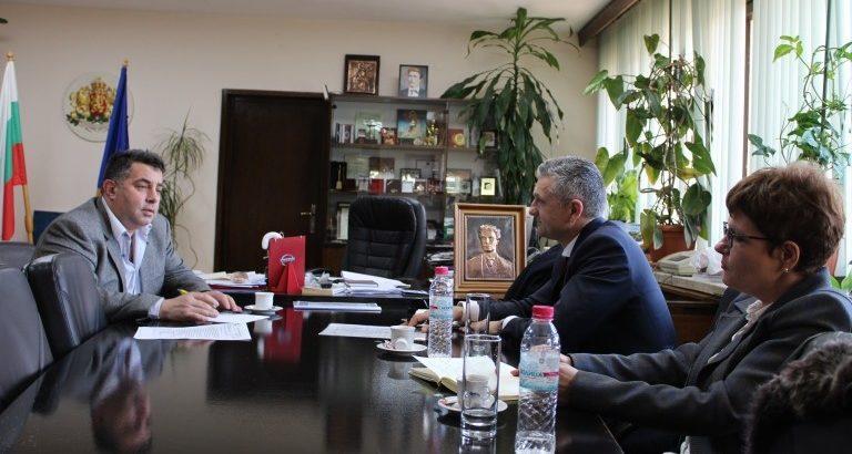 """Изпълнителният директор на """"Бадер България Мениджмънт"""" се срещна с областния управител"""