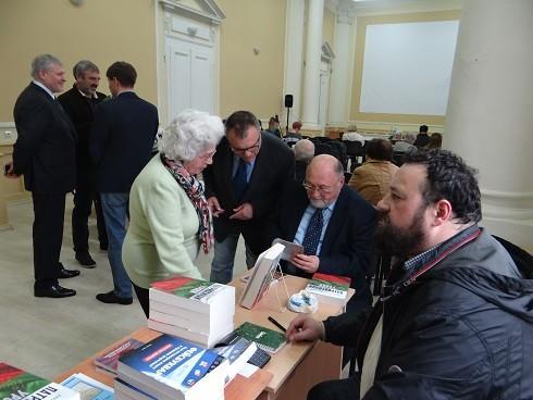 Доц. д-р Александър Йорданов представи патриотичните си уроци и в Русе