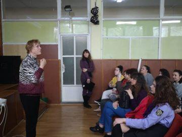 Поетесата Надежда Захариева гостува в СУПНЕ - Русе