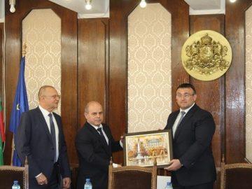 Министър Младен Маринов: Русе има изключително високо ниво на детска престъпност
