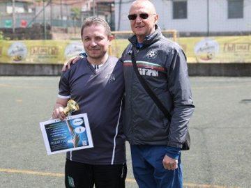 Пламен Нунев награди част от участниците в благотворителен футболен турнир в подкрепа на деца на загинали служители на МВР