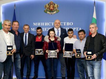 Ангел Русев и Радослав Атанасов с почетни плакети от ММС