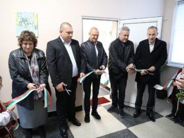 Министърът на образованието и народният представител Пламен Нунев откриха нова детска градина в Дряновец