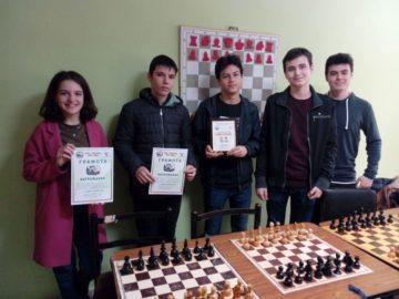 """Шахматистите на МГ """"Баба Тонка"""" се класираха за финала на ученическите игри през юни"""