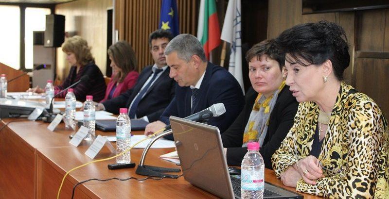 Зам. - министър Султанка Петрова представи в Русе националната стратегия за активен живот на възрастните хора