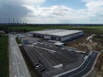 Бойко Борисов посети завода на ВИТТЕ Аутомотив България в Русе
