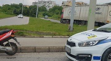 Русенец пострада при удар на управлявания то него мотопед в тролейбусен стълб