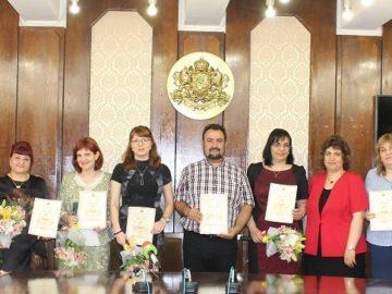 """Награди """"Нефит Рилски"""" за 7 русенски учители и преподаватели"""