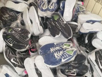 Контрабандни фалшиви облекла и обувки за 20 000 лева задържаха на Дунав мост 1