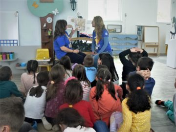 """Децата от ДГ """"Чучулига"""" получиха първите си читателски карти"""