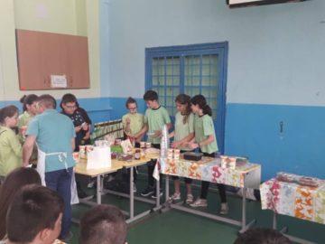 """Училищният кръг на ученическата кулинарна олимпиада се проведе в ОУ """"Иван Вазов"""" - Русе"""