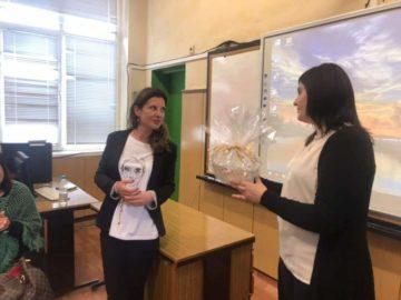 """Миролюба Бенатова гостува в СУ """"Панайот Волов"""" – Бяла"""