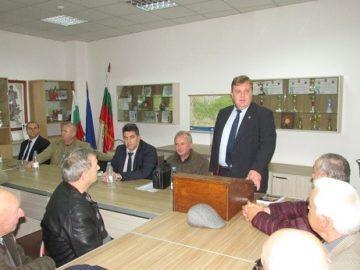 Ще ми се да бъда оптимист за преговорите със САЩ за Ф-16, каза Красимир Каракачанов
