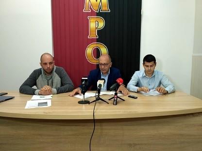 """Общинските съветници от """"Патриотите - ВМРО, Глас народен"""" искат по - дълъг срок на договора за наем на басейна в Парка на младежта"""