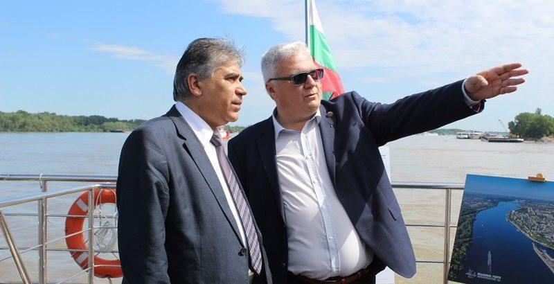 """Специализирано речно изложение """"River show"""" днес на кораба """"Русчук"""