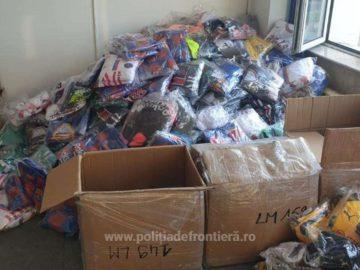 12 469 фалшиви облекла, обувки и парфюми задържаха на Дунав мост 1