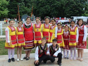"""Ученици от Ценово се включиха във фестивала """"Отворено сърце"""""""