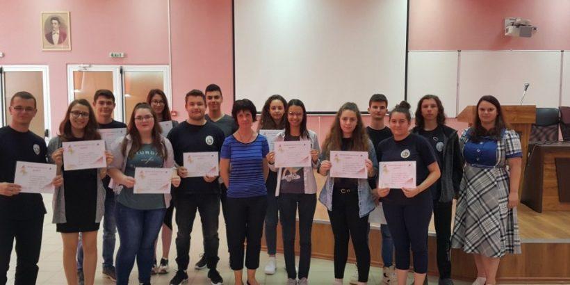 """Четирима ученици от СУ """"В. Левски""""- Русе ще участват в националния кръг на """"Лингвистично кенгуру"""""""