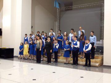 "Детско-младежки хор ""Свети Георги Победоносец"" към Общински младежки дом представи своя годишен концерт"