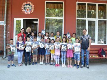 Второкласници от Сливо поле дариха играчки за деца в неравностойно положение