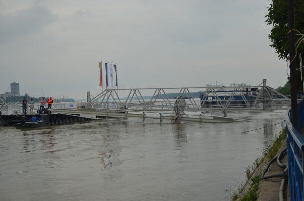 Дунав е на път да залее района на гюргевското пристанище