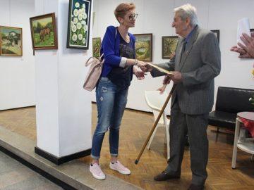 Стефан Ганев със специален поздрав от кмета Пламен Стоилов по повод откриването на 25-тата си изложба