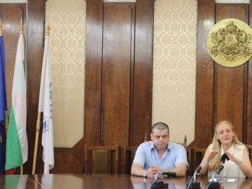Зам. - кметът Наталия Кръстева се срещна с бъдещи юристи