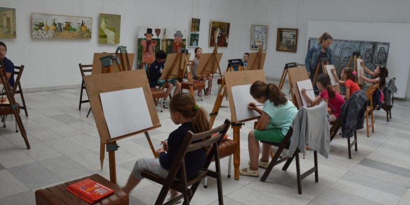 """От днес започва записването за инициативата """"Игра с изкуството"""" на Художествена галерия – Русе"""