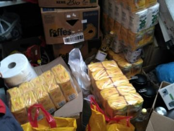 """Десетки килограми брашно, ориз и др. постъпиха в БЧК - Русе от акцията """"Купи и дари"""""""