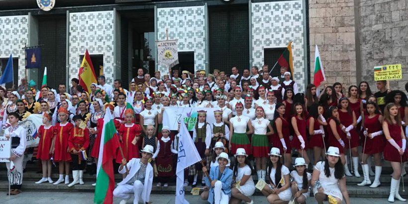 """Русе се представи вдъхновяващо, с истинско присъствие на сцената на 10-тия международен летен фестивал """"Meet the tradition"""" в Италия"""