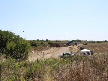 Евтаназираните свине се закопават според всички изисквания в района на Голямо Враново