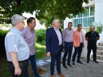 Започна обновяването на едно училище и две детски градини в Гюргево