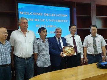 Обучение по общи бакалавърски и магистърски програми с университета Nong Lam University в град Хо Ши Мин, Виетнам
