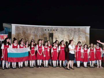"""Детски хор """"Дунавски вълни"""" участва в международния фестивал """"Свети Стефан"""" в Будва"""