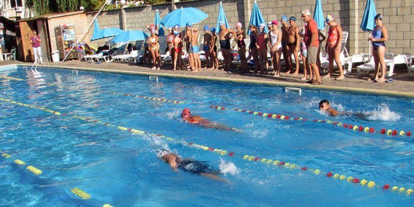 научи се да плуваш