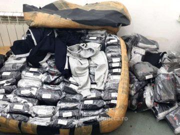Фалшиви облекла, обувки и парфюми за около 177 хил. лева задържаха на Дунав мост 1