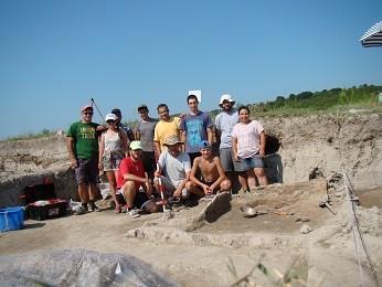 Приключиха разкопките на селищната могила в Бъзовец