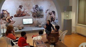 Деца изучаваха живота на праисторическите хора