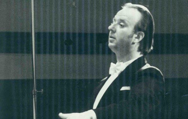 Навършиха се 85 години от рождението на Васил Казанджиев