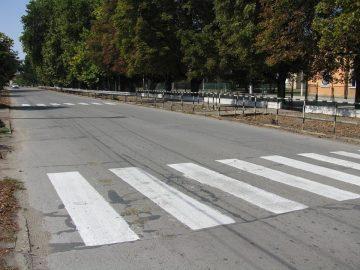 Опресниха пътната маркировка край училищата в Сливо поле по повод първия учебен ден