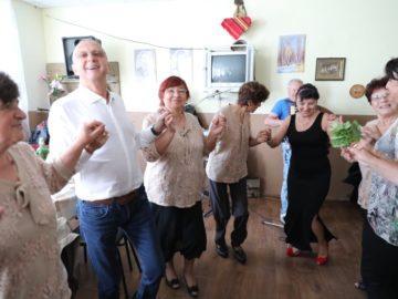 """Пенсионерски клуб """"Гагаля"""" отпразнува в аванс Деня на възрастните хора"""
