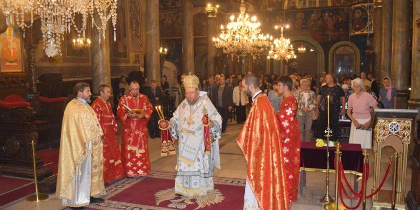"""Кръстовден в катедралния храм """"Света Троица"""""""
