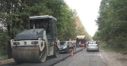 Активно се ремонтира общинската пътна мрежа в Община Две могили