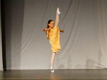Алена Герджикова от НУИ представи Русе на балетната академия край Елена