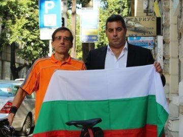 Областният управител подкрепи М. Баркашки в състезание по шосейно колоездене
